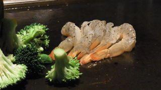 海老とブロッコリーを焼く(生の状態)