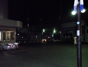 喜多見駅前の広場