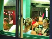 アメリカ人の集まるレストラン