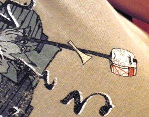 三味線がプリントされたTシャツ