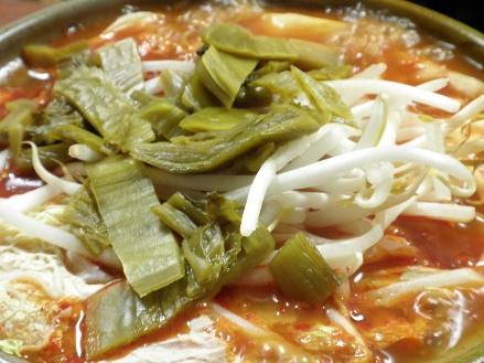 韓国風の辛い鍋