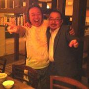 肩を組むごうさんと鈴木雄介